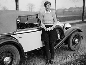 Annemarie Schwarzenbach and her Mercedes Mannheim in Berlin in 1932