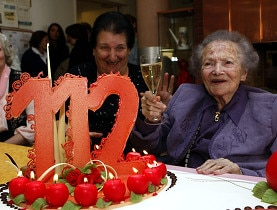 1897, a good year: Rosa Rein, celebrating being the oldest Swiss