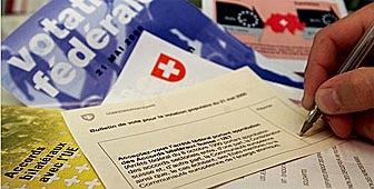 Swiss voters cast their ballots on Sunday on closer ties with the European Union
