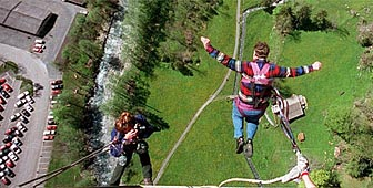 Bungy jumping in the Bernese Oberland
