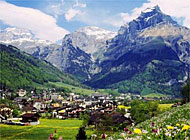 Engelberg enjoys an idyllic setting, no matter the season (picture: swiss-image)