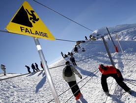 Many young Australians work in ski resorts, but they won't be coming to the Portes-du-Soleil