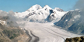 At 24 kilometres, the Aletsch glacier is the longest in the Alps (picture: Swisspics)