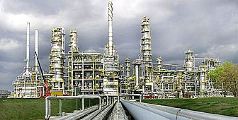 The sale of the oil refinery in Leuna is being investigated by the Geneva public prosecutor