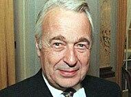 Ancien secrétaire d'Etat, associé de la banque privée genevoise Mirabaud, Franz Blankart incite la Suisse à ne pas se laisser «violer» par Bruxelles. - keyimg20020505-1135353-0c-data