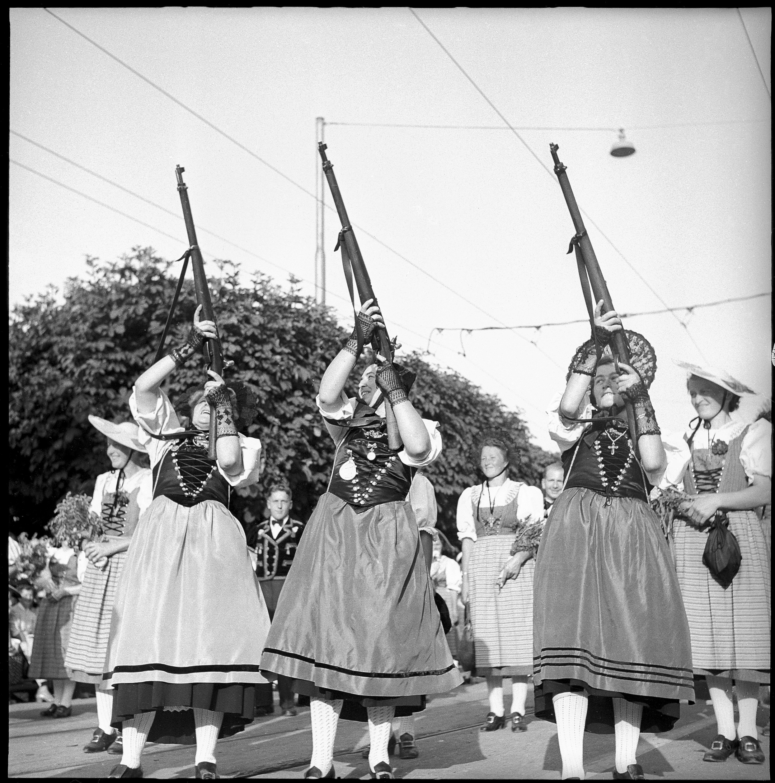 At the federal traditional costumes event in Lucerne in 1951. (RDB)