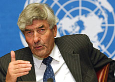 United Nations High Commissioner Ruud Lubbers says the asylum proposal goes too far