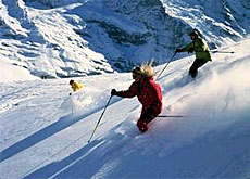 Grindelwald is one of the resorts opening its lifts a month before the season usually begins (ST/swiss-image.ch)