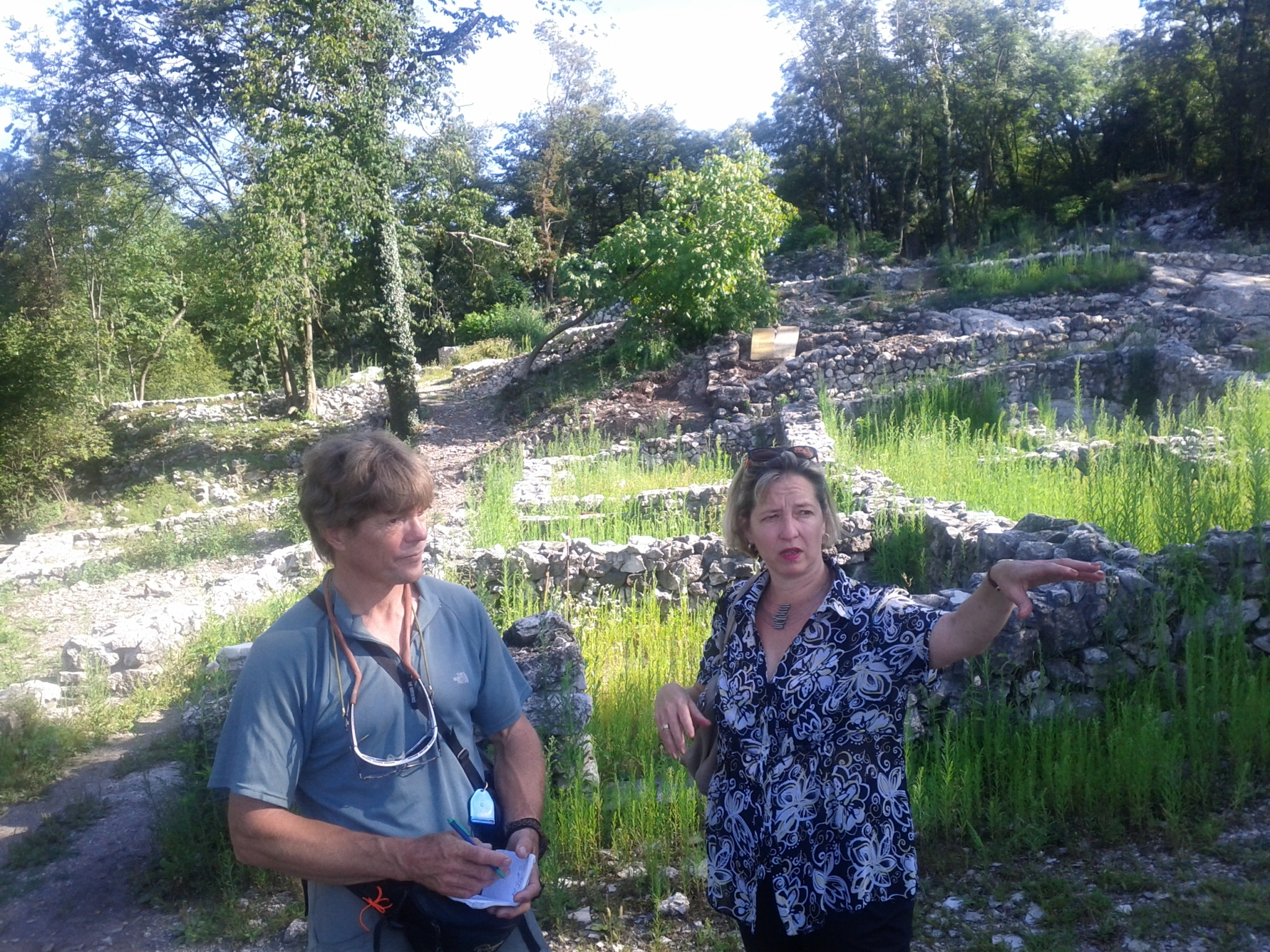 Nadia Fontana-Lupi showing me the hilltop archaeolog​ical site of Tremona-Ca​stello.