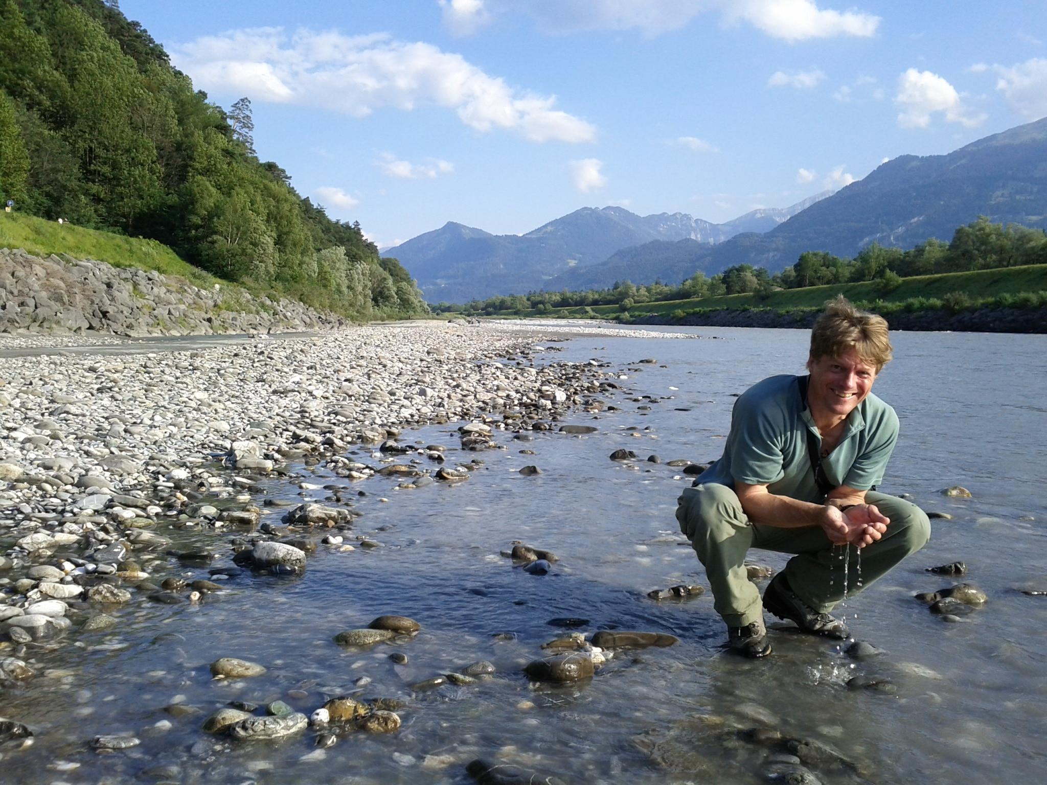 """5 de julho de 2011: """"Novo começo no rio Reno. A mesma posição, mas em outra direção do que em outubro no caiaque."""""""