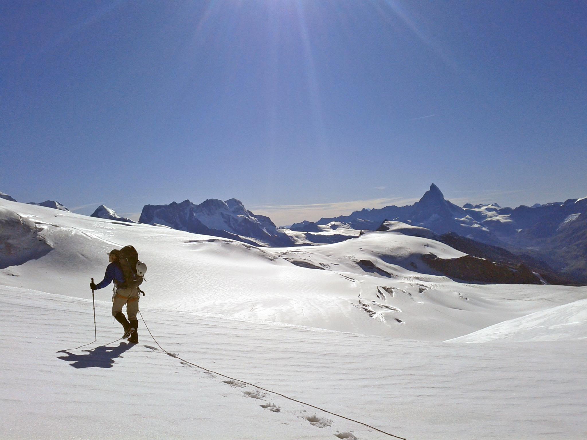 """28 de agosto de 2011: """"Vista claraà montanhaMatterhorn do passo de Schwarzberg-Weisstor."""""""