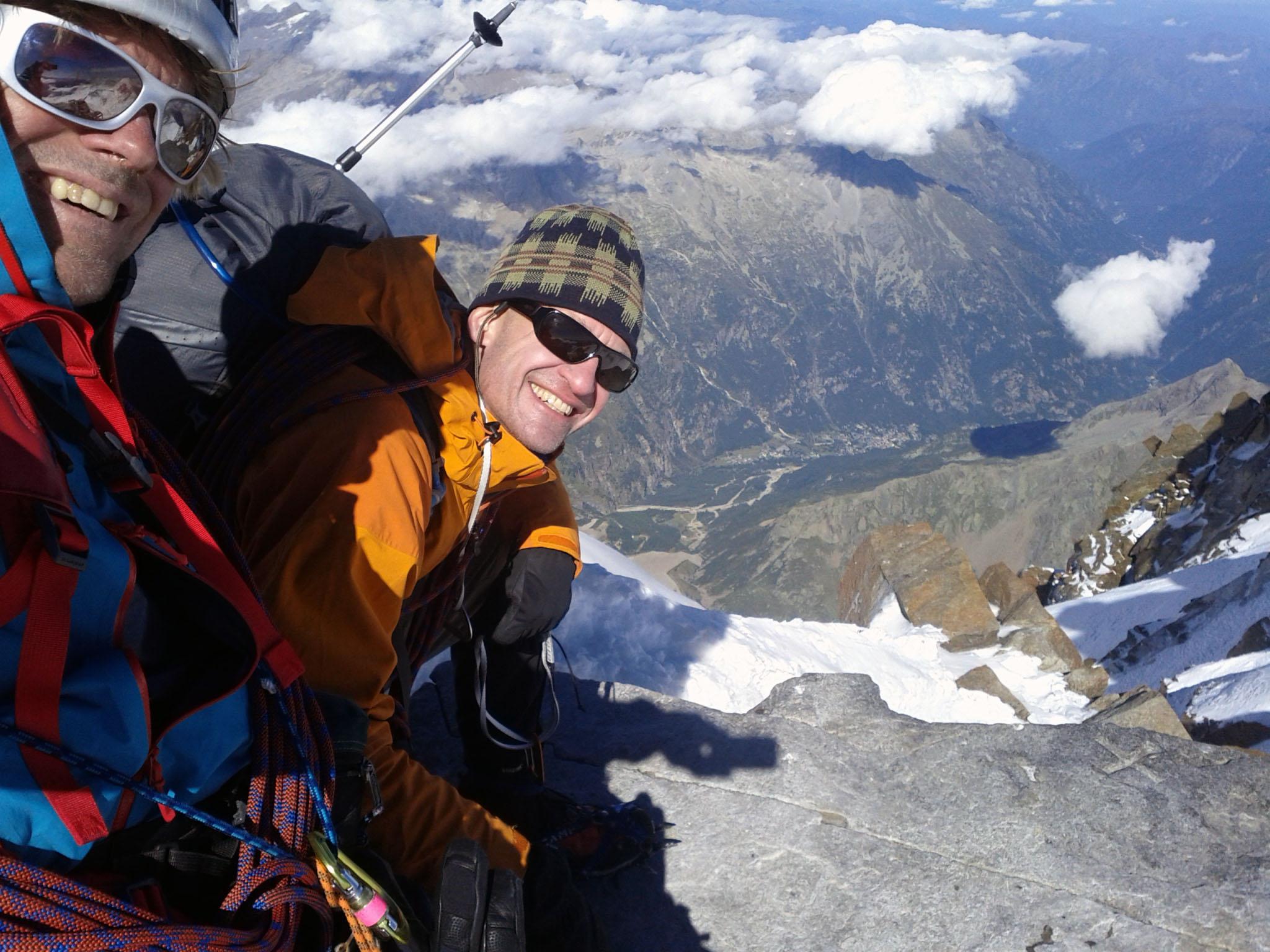 """29 de agosto de 2011: """"Os dois Johns no cume do Dufourspitze"""". (com 4.634 metros acima do nível do mar, o ponto mais elevado da Suíça)"""
