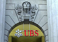 Switzerland's largest bank reacts to market conditions (UBS)=