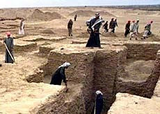There are around 10,000 archaeological sites in Iraq - like this ancient Sumerian town
