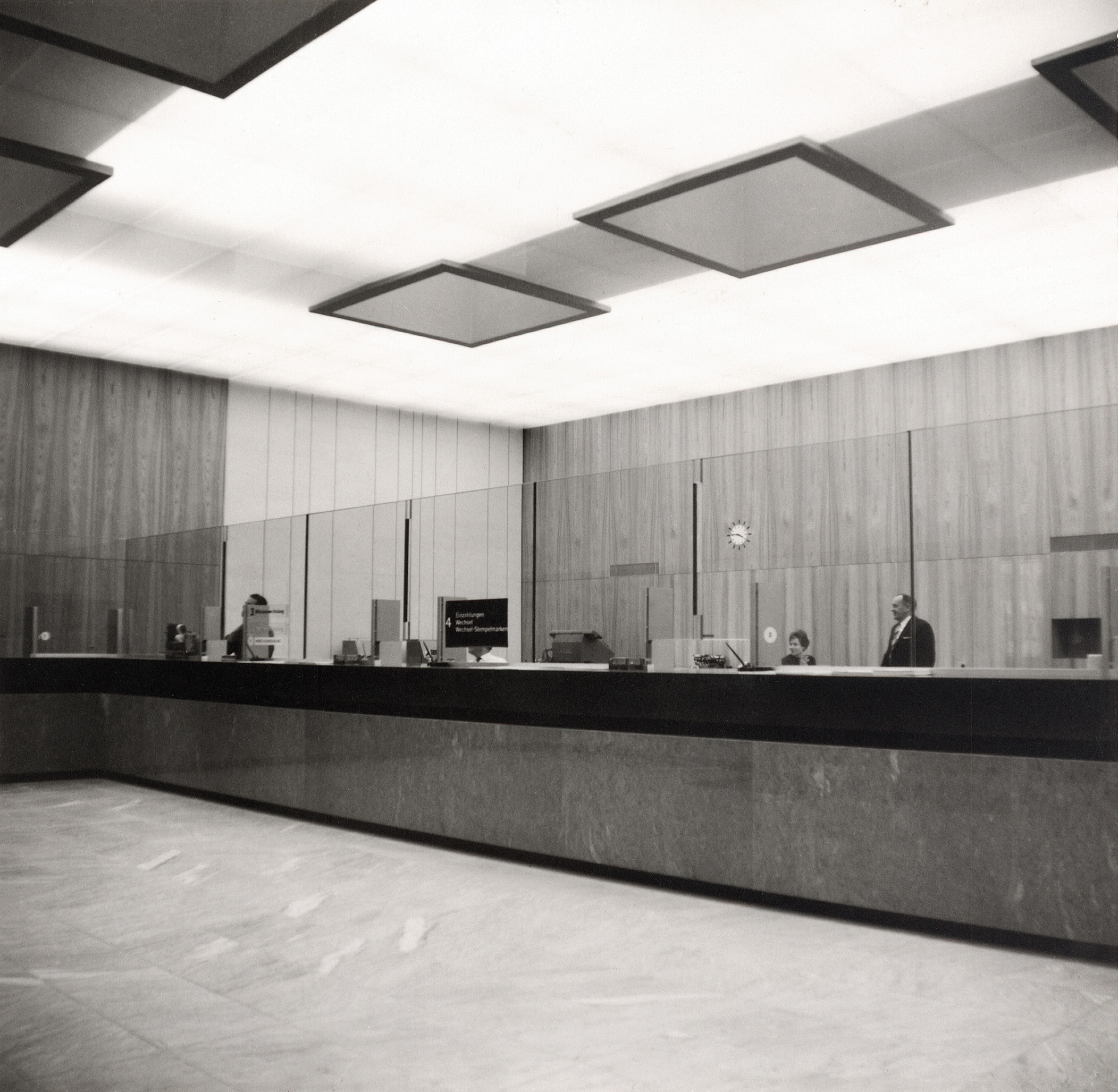 The counter hall after it was refurbished between 1961 and 1963 (SNB)