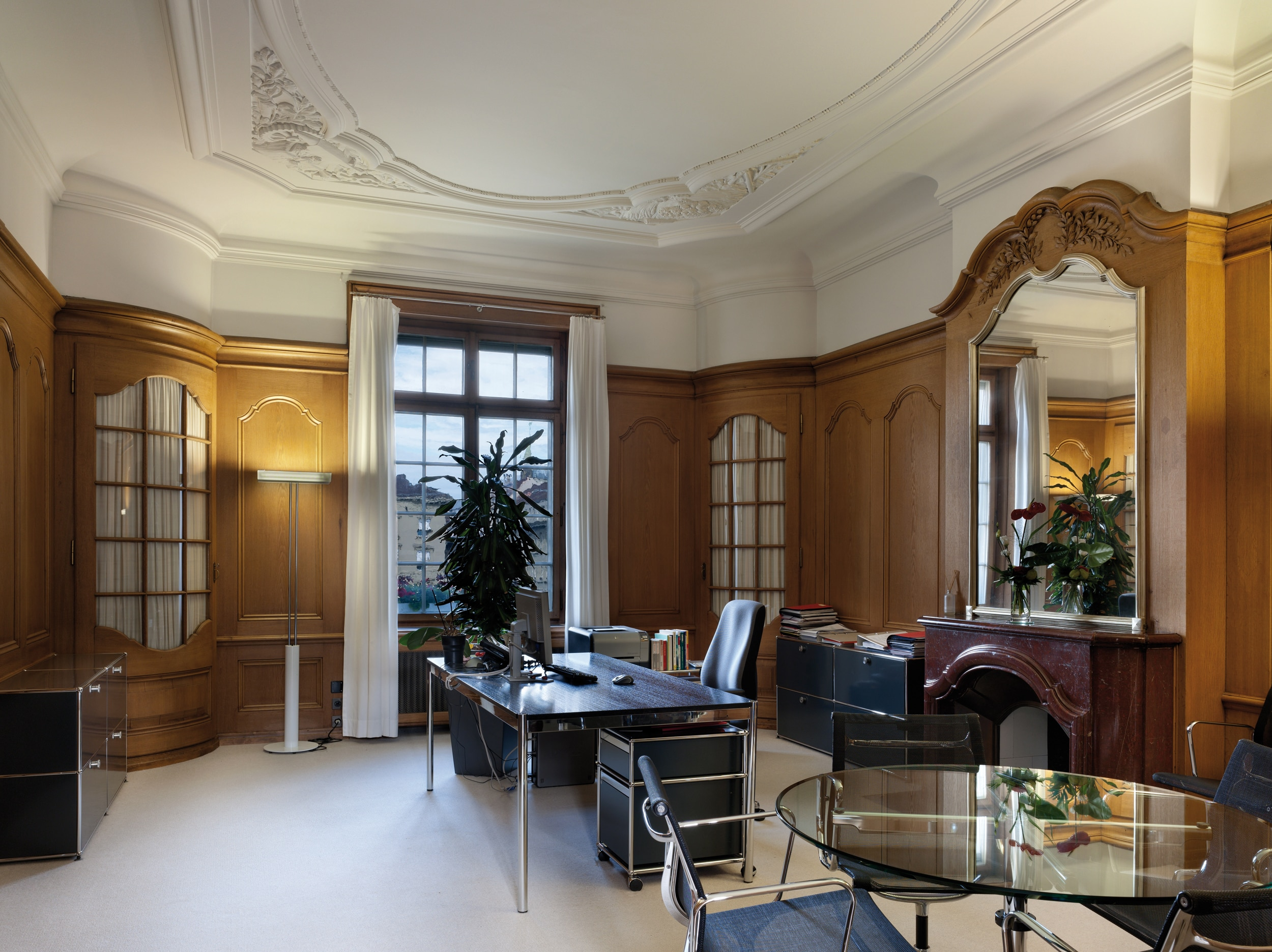 An office on the second floor of the main building (SNB/A.Gempeler)