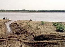 Water from the Nile is essential for agriculture – drought can lead to famine (The Water Page)