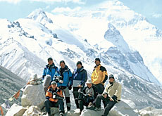 The Swiss expedition members during their resting period at Everest base camp (Swiss television)