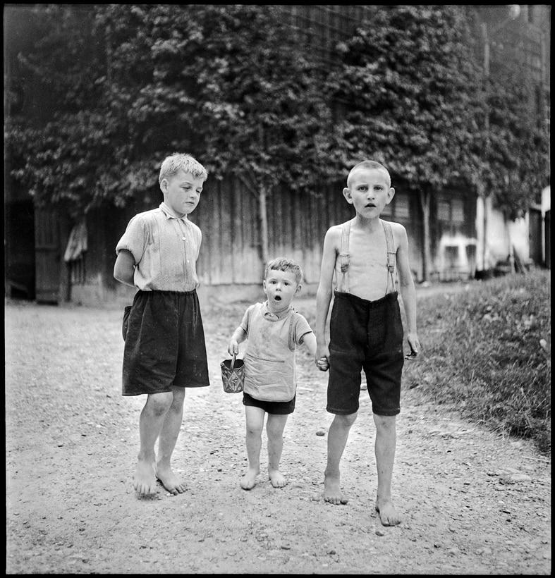Knaben in der Erziehungsanstalt Sonnenberg, Kriens, 1944.