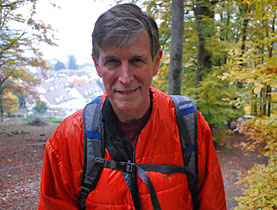 US Ambassador Donald Beyer, an avid hiker and climber, spoke to swissinfo.ch during a walk in the countryside near Bern (swissinfo.ch)