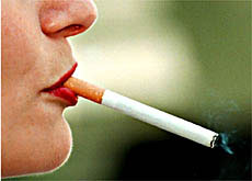 Two in three Swiss would support a rise in cigarette prices to help curb tobacco addiction