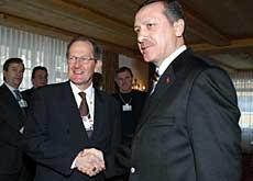 En janvier dernier, le président suisse, Joseph Deiss, rencontrait le premier ministre turc, Tayyip Erdogan, lors du Forum économique de Davos.