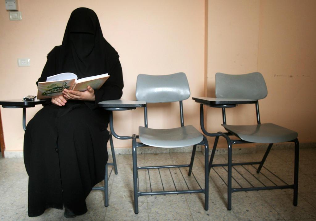 elle part faire le djihad avec son fils de 4 ans swi. Black Bedroom Furniture Sets. Home Design Ideas