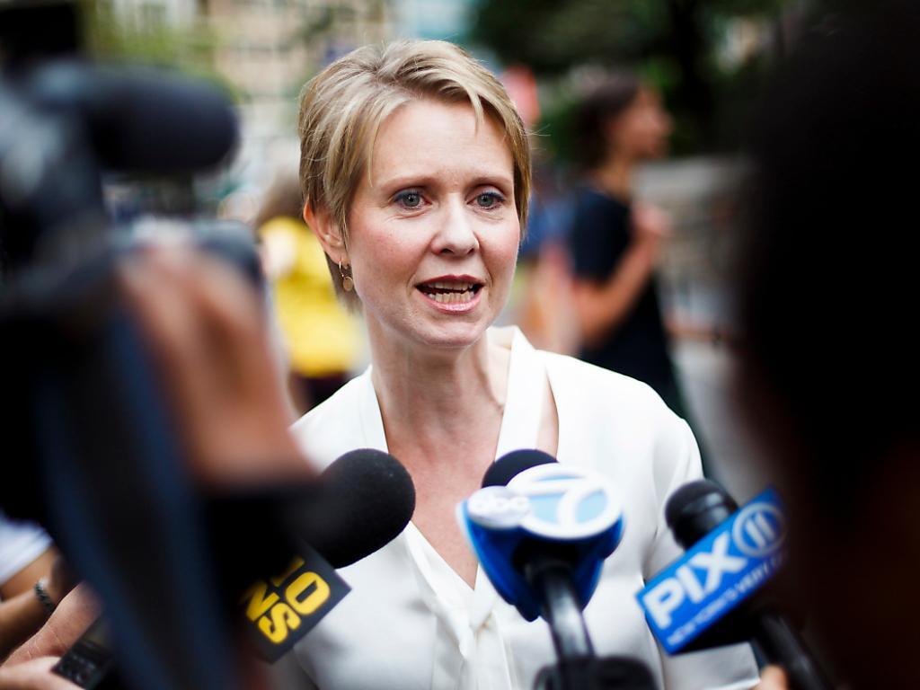 new yorker gouverneur siegt in vorwahl gegen tv star cynthia nixon swi. Black Bedroom Furniture Sets. Home Design Ideas