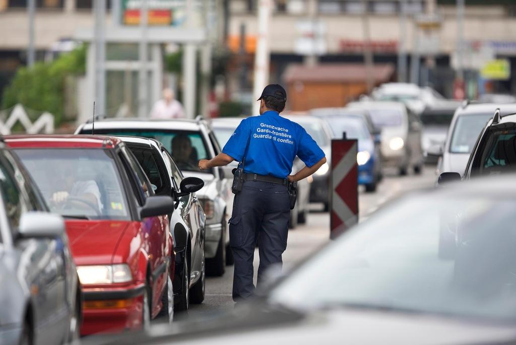 Coronavirus: vietare l'ingresso in Svizzera ai frontalieri italiani?