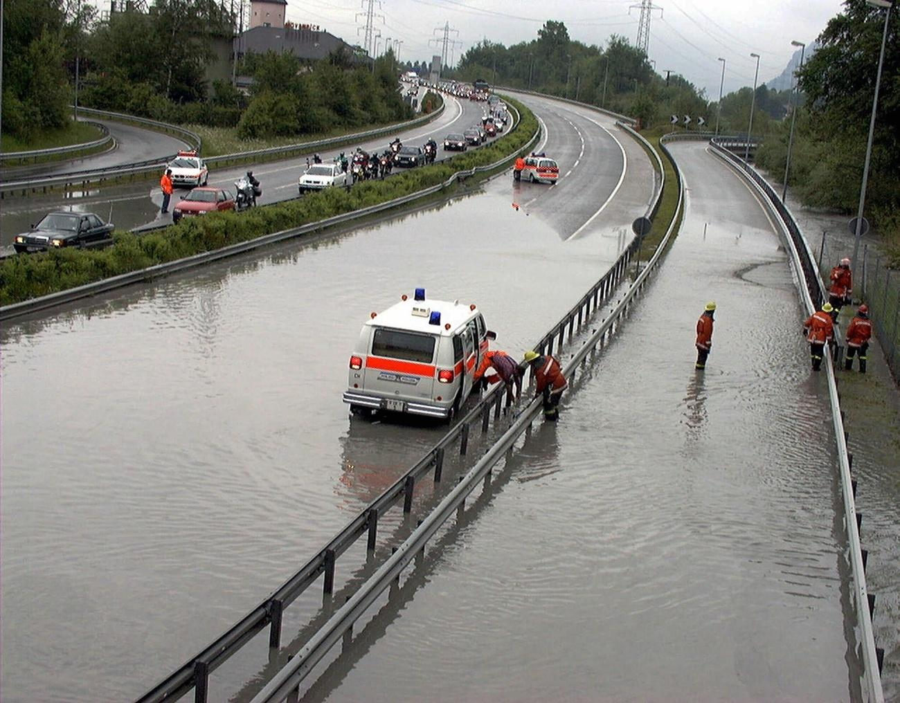 flooding of the motorway near Maienfeld.