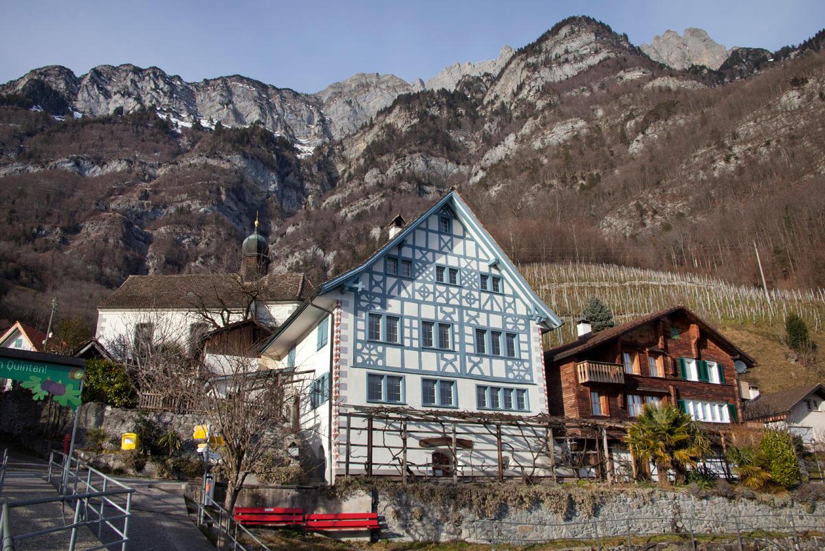 Швейцарская деревня Квинтен: «солнечный город» хочет выйти из тени