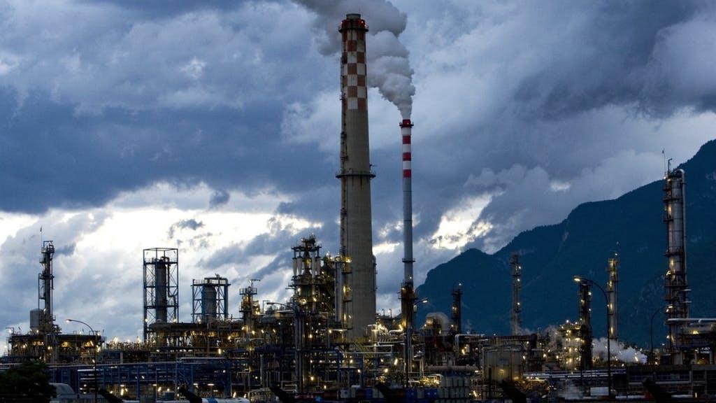 Демонтаж нефтезавода в швейцарском кантоне Вале продлится пять лет