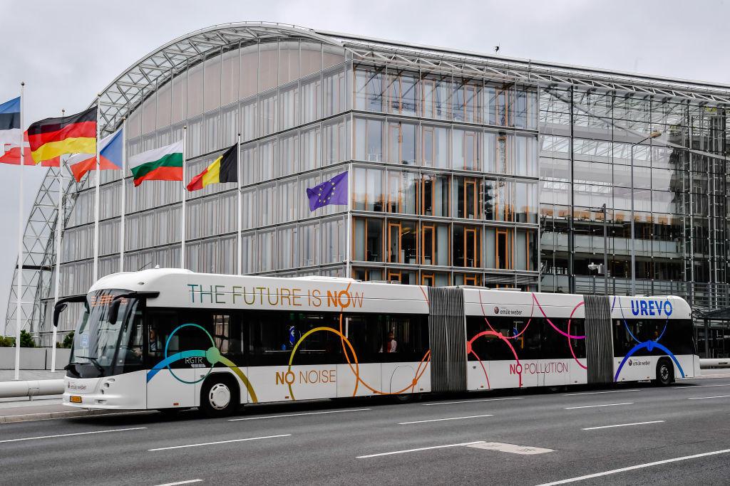 Por que o transporte público gratuito não pega na Suíça
