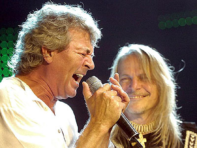 Ian Gillan (left) with guitarist Steve Morse