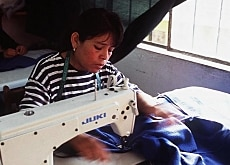 Swiss development aid helps finance small business projects in countries such as Peru