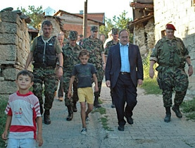 Defence Minister Samuel Schmid on a visit to Swisscoy in Kosovo in 2006