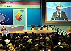Economics Minister Joseph Deiss taking centre stage at the WTO meeting in Hong Kong