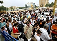 Hundreds of foreigners await their evacuation from Beirut on ferries