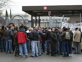 On December 1, 2008 prison guards blocked the entrance of Champ-Dollon prison in protest over deteriorating work conditions