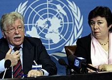 Walter Fust (left) with Safiye Cagar of the UNFPA