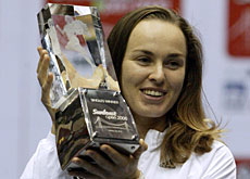 Hingis won three titles, including the WTA Sunfeast Open in Calcutta, India, during her recent comeback