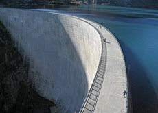 Walk on the wild side: the 180-metre-high Emosson dam in canton Valais
