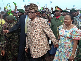 Mobutu Sese Seko returns to Congo with his wife in 1996 following his treatment in Europe for cancer