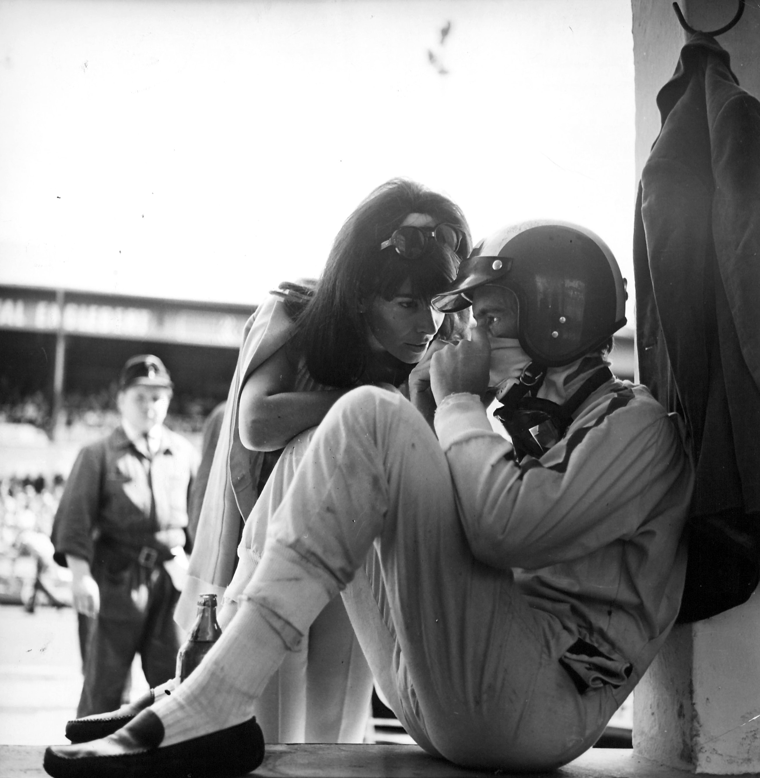 Jo Siffert with his wife Simone, 1968. (RDB)