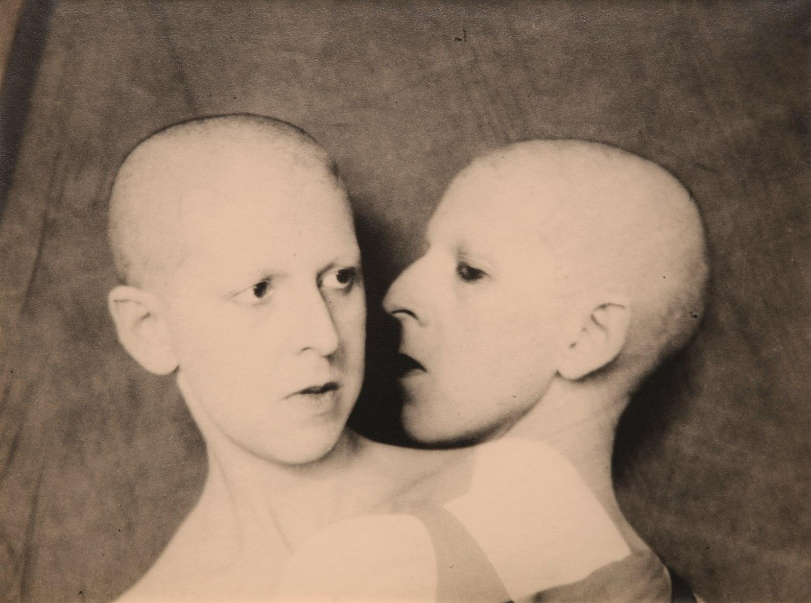 """Que me veux-tu?"", Claude Cahun, 1929. (Collection privée/© Estate of Claude Cahun/Photo: Philippe Migeat)"