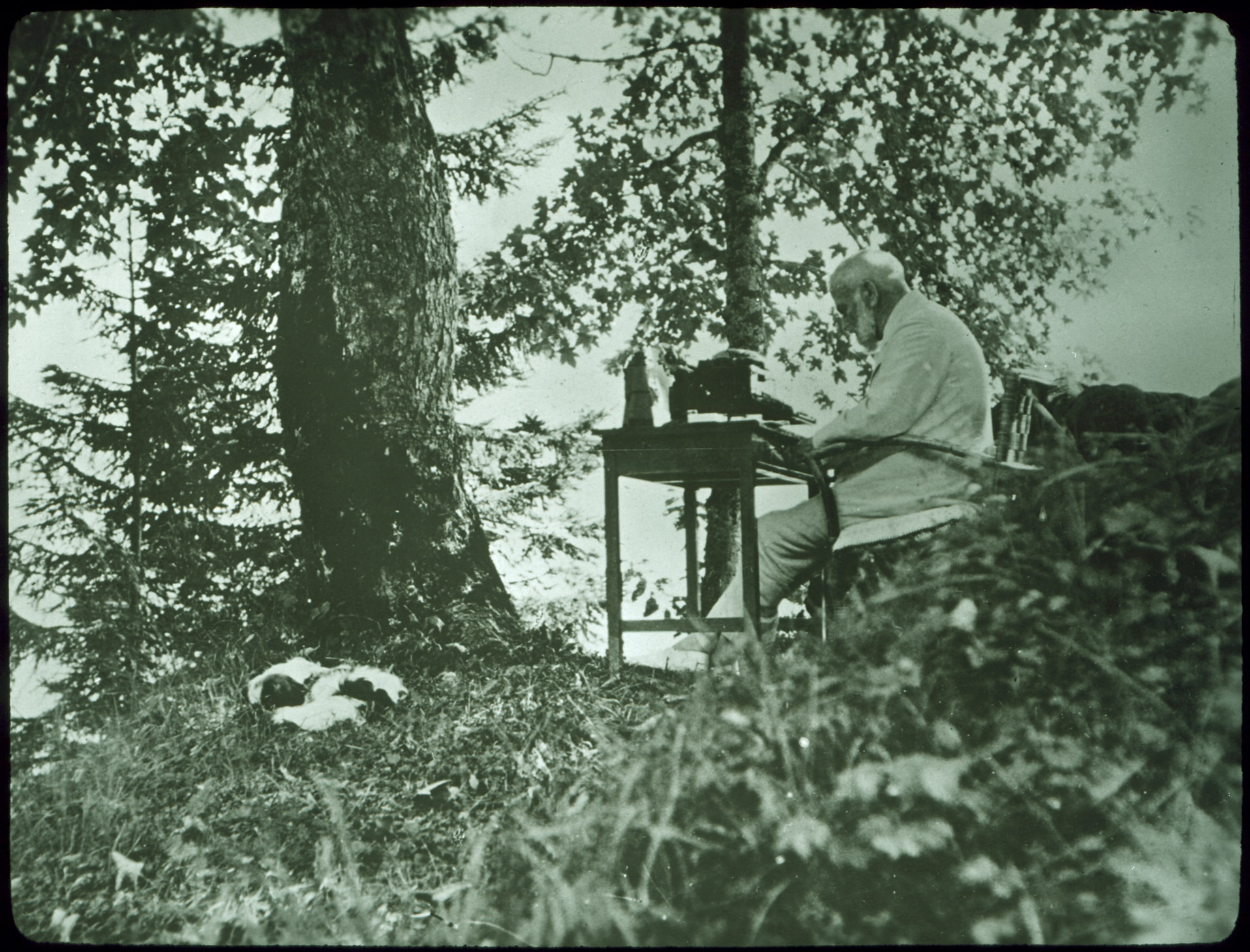 Max Bircher-Benner at his holiday home in Braunwald, 1920s. (Bircher-Benner Archive, Zurich University)