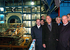 Deiss (left) toured the facilities with Chirac (centre) and King Juan Carlos