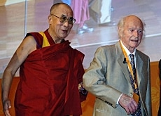 Heinrich Harrer with his former pupil, the Dalai Lama