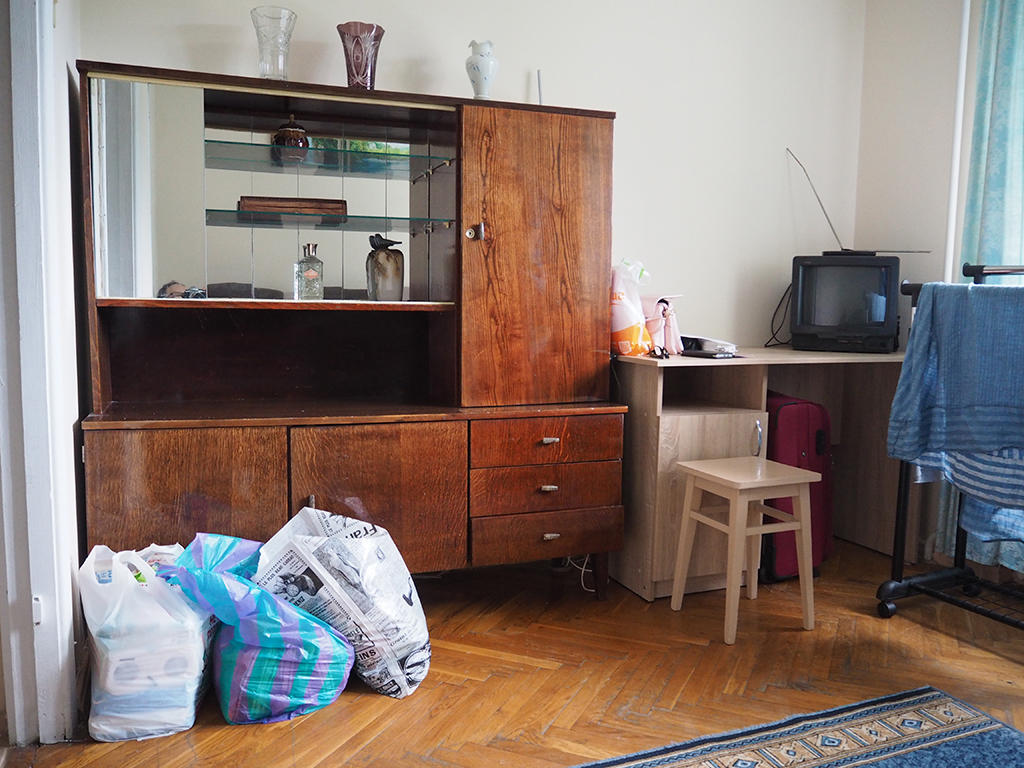 A Surrogate Mother s Room in Kiev - First prize in the category Locations and instruments