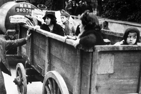 Jewish refugees in a cart in 1940